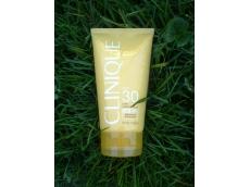 Zoom στο CLINIQUE Solar Smart body cream UVA UVB SPF30 150ml