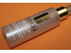 Zoom στο CLINIQUE moisture surge face spray thirsty skin relief 125 ml