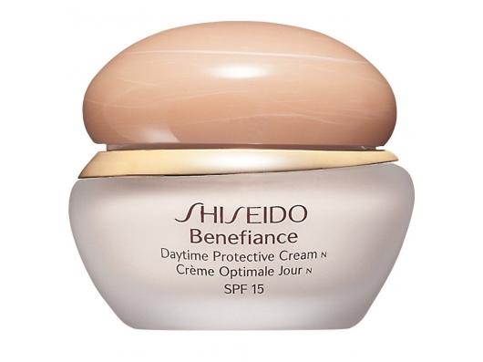 Zoom στο Shiseido Benefiance Daytime Protective Cream SPF 15 40 ml